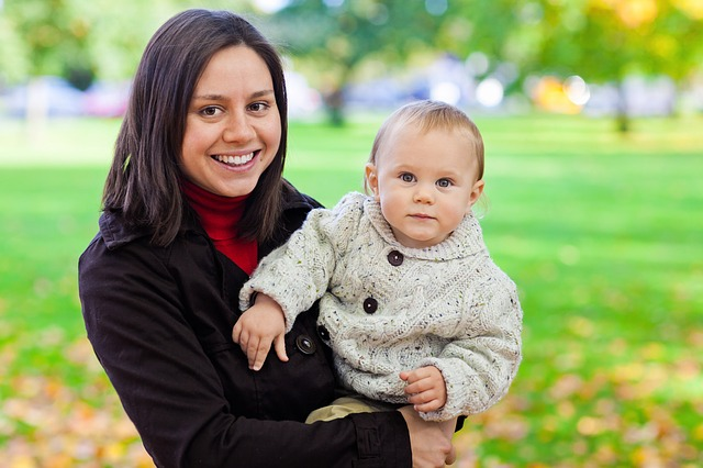 מה חשוב לקחת בזמן שיוצאים עם תינוק מהבית