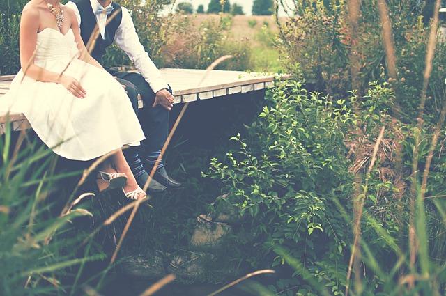 כך תתלבשו לחתונה בטבע