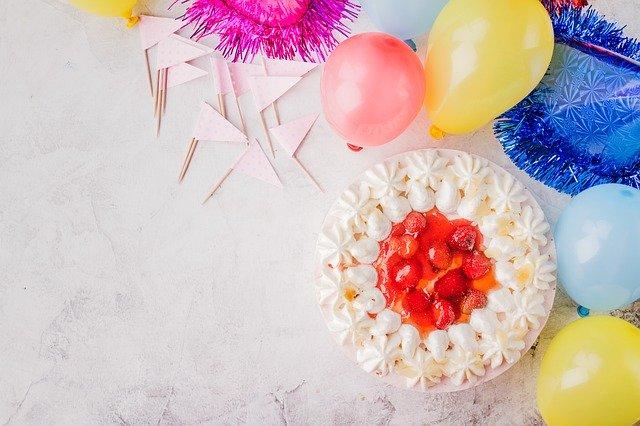איך לארגן לבני הזוג יום הולדת מפנק במיוחד?